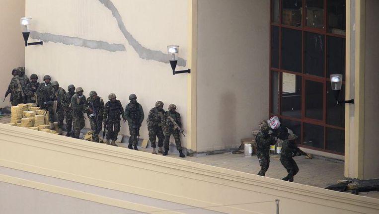 De bestorming van militairen van het winkelcentrum Westgate in Nairobi. Beeld reuters