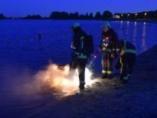 Scooter brandt uit in surfplas Reeuwijk