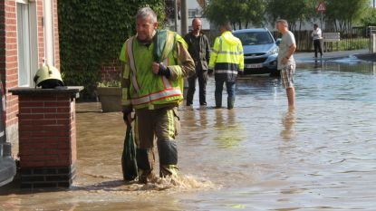 """Nieuw onweer, nieuwe wateroverlast in Ingelmunster: """"Gevolg van rioleringswerken?"""""""