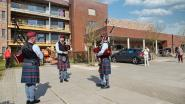 Red Cross Pipe Band van Rode Kruis Hamme geeft optreden aan woonzorgcentrum