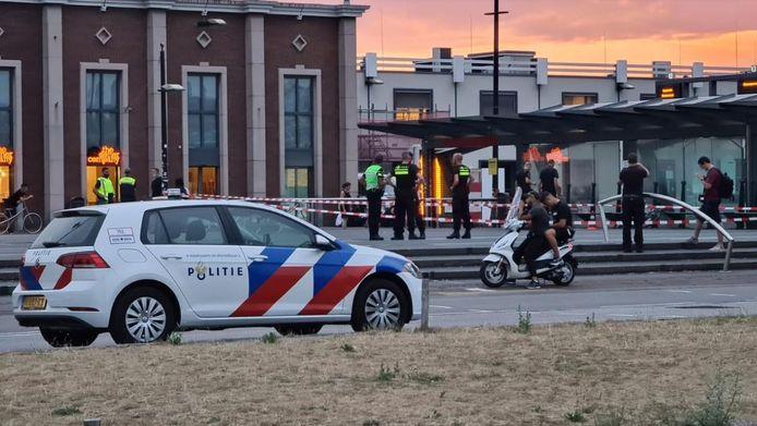 Het plein is helemaal afgezet na de schietpartij in Nijmegen.
