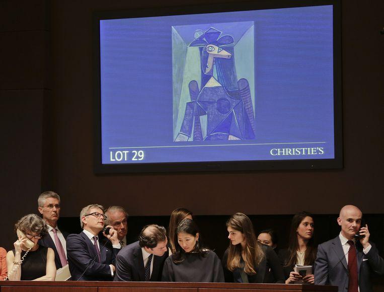 Bij Christie's wordt geboden op het schilderij Dora Maar van Picasso Beeld ap