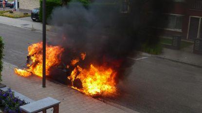 Parket bevestigt: uitgebrande auto Antwerpen werd aangestoken