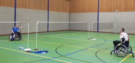 Zo'n 30 badmintonners met handicap naar Doesburg