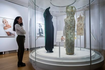 'Diana: Her Fashion Story' geopend in Londen