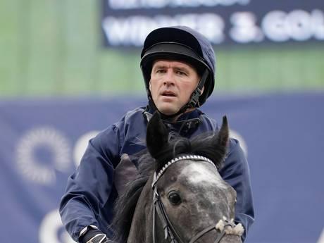 Oud-spits Michael Owen debuteert verdienstelijk als jockey