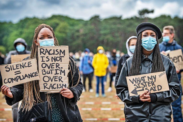 Demonstratie tegen racisme en politiegeweld in het Nijmeegse Goffertpark. Beeld Guus Dubbelman / de Volkskrant