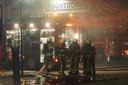 Ongeveer vijftig brandweermensen waren opgeroepen voor het bestrijden van het vuur.