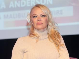 """Pamela Anderson vindt veganisten beter in bed: """"Cholesterol maakt je aderen misschien wel hard, maar geen andere lichaamsdelen"""""""
