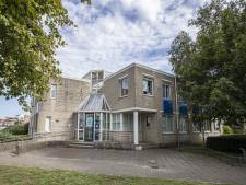 Nieuwbouw apotheek bij artsenpraktijk Molenstalweg in Rijssen