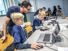 Kinderen in de rij om Minecraft te herprogrammeren in Zwolle
