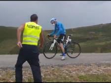 Vent violent et coureurs à l'arrêt dans la descente: les impressionnantes images du Picon Blanco