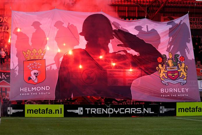 De sfeeractie van Helmond Sport-fans tijdens de wedstrijd tegen TOP Oss.