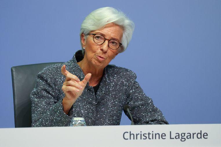 ECB-president Christine Lagarde twitterde donderdagochtend: 'Er zijn geen grenzen aan onze steun voor de euro.' Beeld Reuters