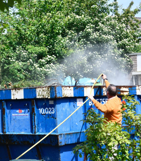 Brand in bouwcontainer aan Campanulalaan in Waalre