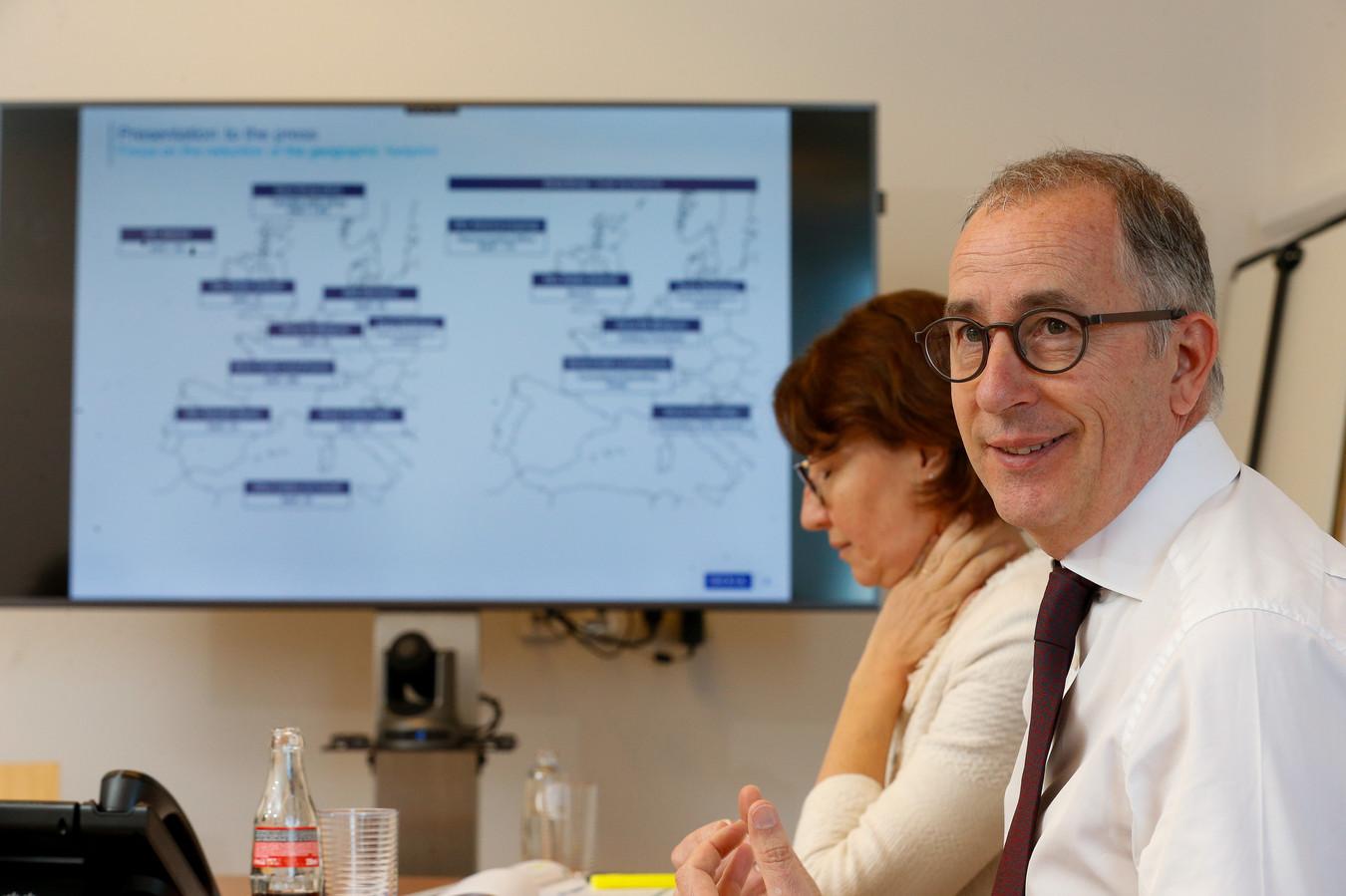 Veronique Hugues en Dexia-CEO Wouter Devriendt.
