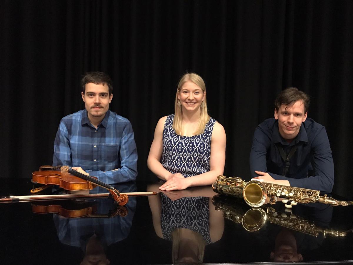 R - Rated Trio met Alexandria Schultz & Eduardo Diez García & Ian Richter