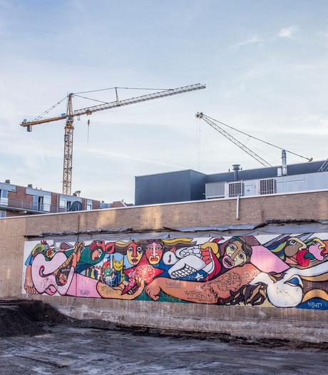 Muurschildering uit 1983 teruggevonden op Osdorpplein