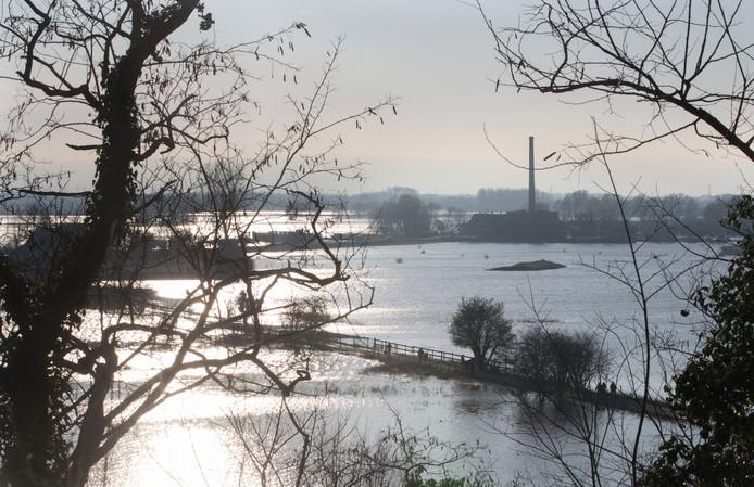 t.b.v. de Gelderlander DGFOTO / de ValleiWageningen 08/01/2018 hoog water uiterwaarden / Aan de Rijnopdrachtnr. 184346 foto: Herman Stöver t.b.v. de Gelderlander DGFOTO de Vallei