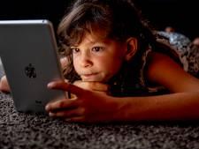 Onderzoek Windesheim: piepjong kind langer alleen op smartphone of tablet