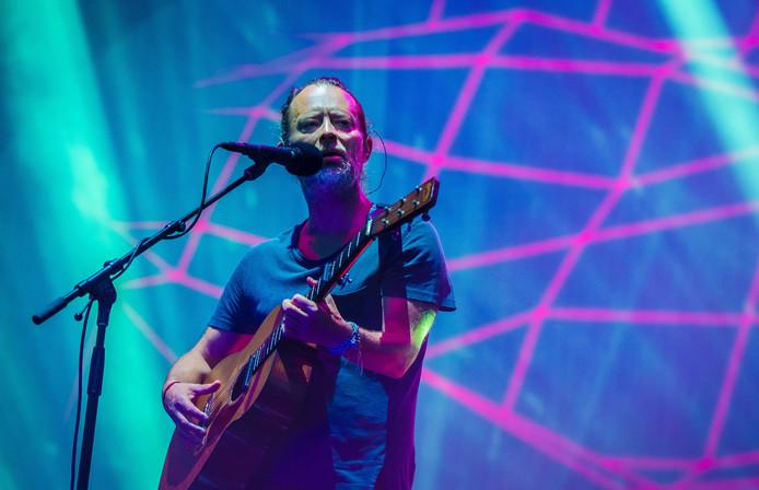 Thom Yorke op het podium van Best Kept Secret.