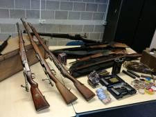 Wapens en munitie aangetroffen bij huiszoeking in Enter