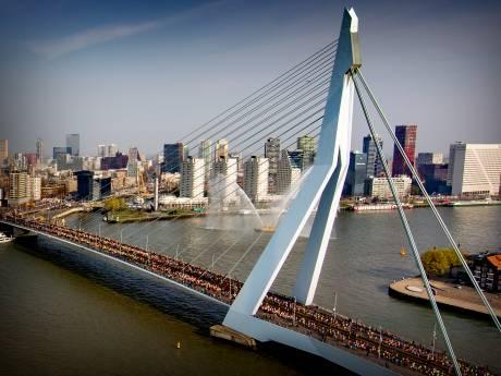 LIVE VIDEO | Marathon van Rotterdam gaat niet door, kijk hier hoe het nu op het parcours is