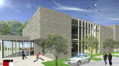 Burgemeester legt eerste steen van dienstverleningscentrum