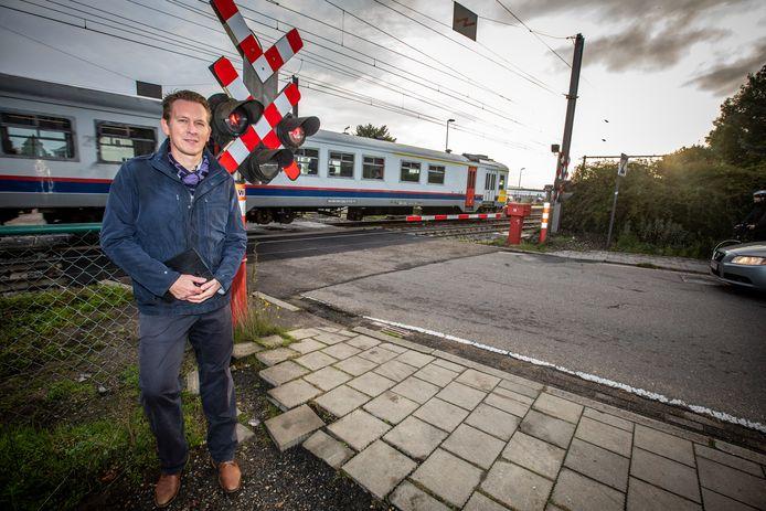 Grote controleactie tegen spoorlopers aan Station Diepenbeek: Frédéric Petit van Infrabel.
