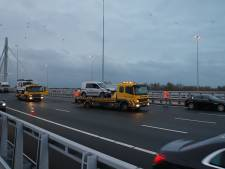 Ongelukken veroorzaken files op A50: op hoogtepunt ruim anderhalf uur vertraging