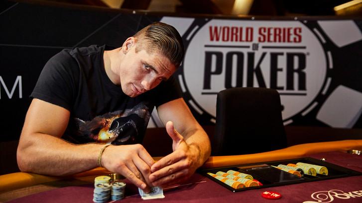 Bokskampioen Verhoeven in de race om pokerpot van 1 miljoen