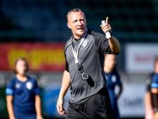 Eerste training van Sjaak Polak bij ADO Den Haag Vrouwen: 'Een fantastisch elftal'