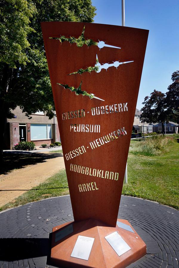 Sinds vier jaar staat in Giessenburg een vliegeniersmonument.