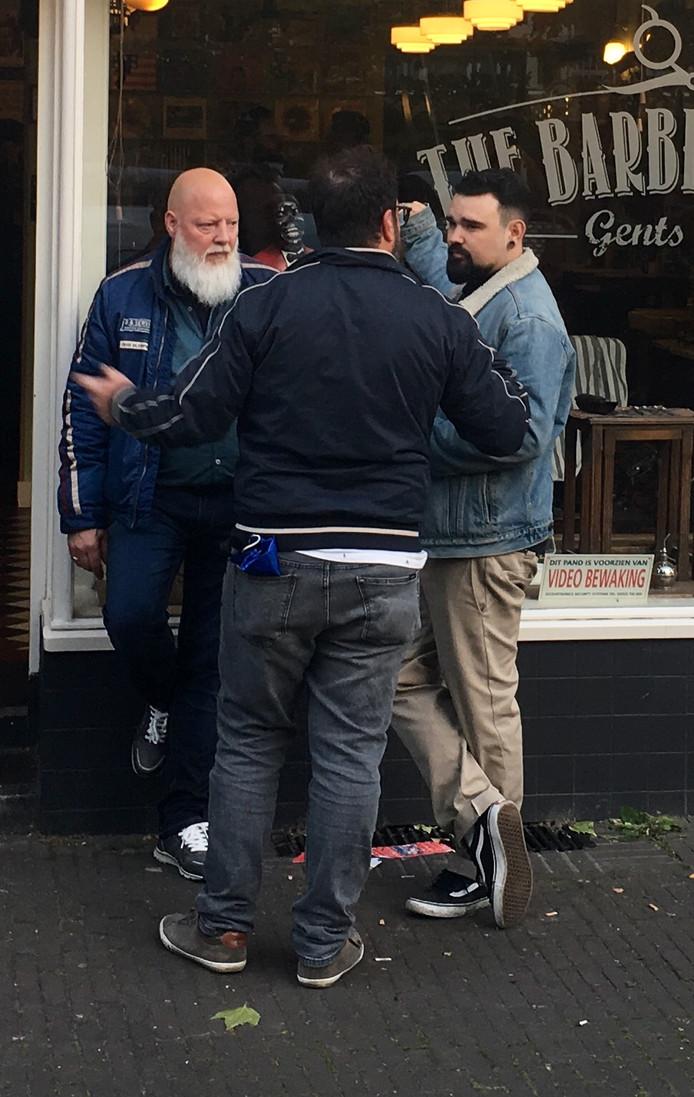 Mannen met baarden bij The Barberstation.