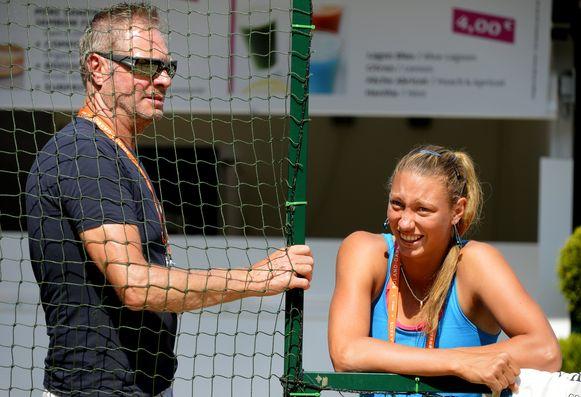 Yanina Wickmayer met haar vader Marc.