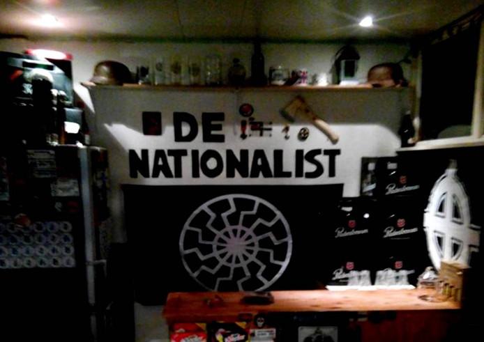 Op Facebook plaatste De Nationalist in Ravenstein het interieur van de 'nazikroeg', zoals de SP het noemt.