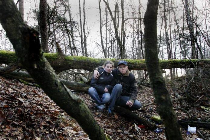 Arjan en Samantha verblijven met hun eenjarig zoontje iedere nacht in de bossen rond Apeldoorn. foto Cees Baars