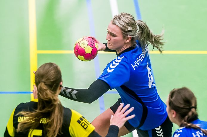 Anne Jochems van HV Heerle in actie in de thuiswedstrijd tegen Houten in 2018.