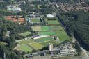 De velden van Oranje-Rood en RPC aan de Aalsterweg in Eindhoven. Op het veld rechtsonder komt de Park & Ride-parkeergarage. RPC verhuist naar de Roostenlaan.