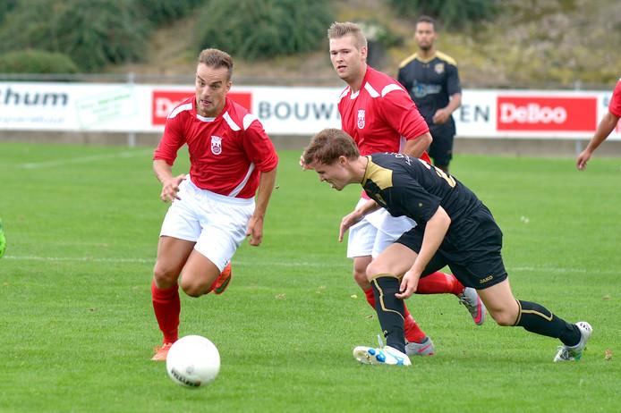 Max Scholten van Rood Wit eerder dit seizoen in actie tegen FC Winterswijk.