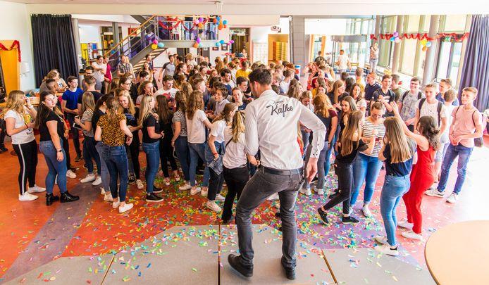De leerlingen danste op de muziek