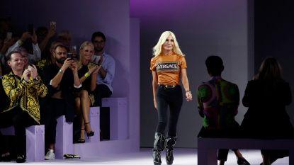 Michael Kors koopt modehuis Versace voor 1,83 miljard euro