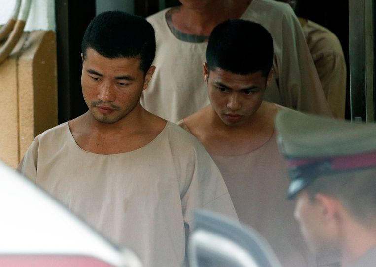 De twee Myanmarese verdachten vorige week na de bekrachtiging van hun doodvonnis door het Hooggerechtshof. Beeld EPA