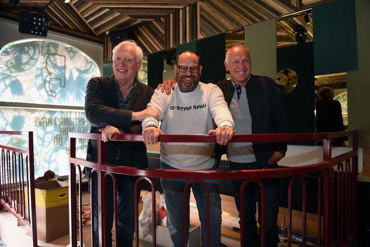 Erik De Rop met broers Luc en Guy Ponsaerts in café Bardot Leuven.