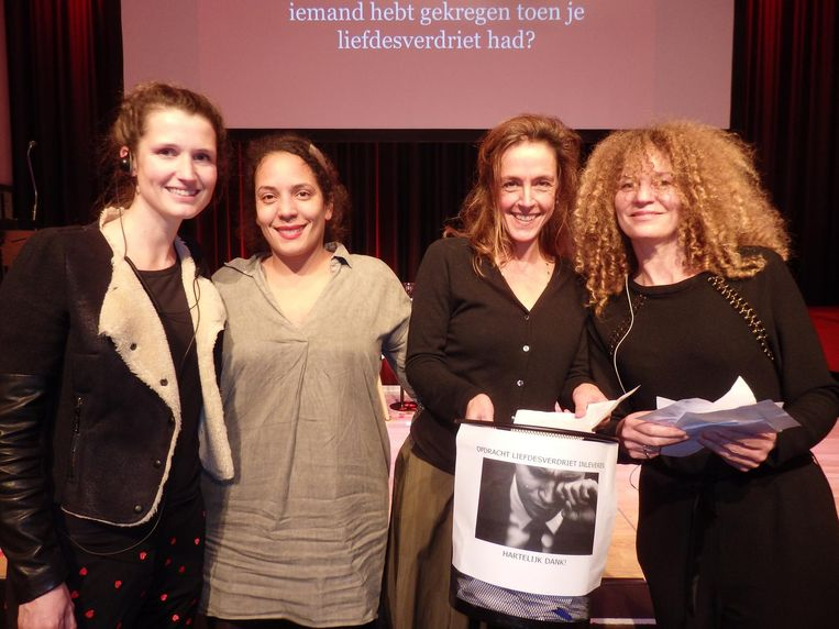 Charlotte de Kruif, Shayne McCreadie en programmeur Mirjam van Hengel van De Nieuwe Liefde, en presentator Hadassah de Boer: 'Nou, je hebt het liever niet' Beeld Schuim