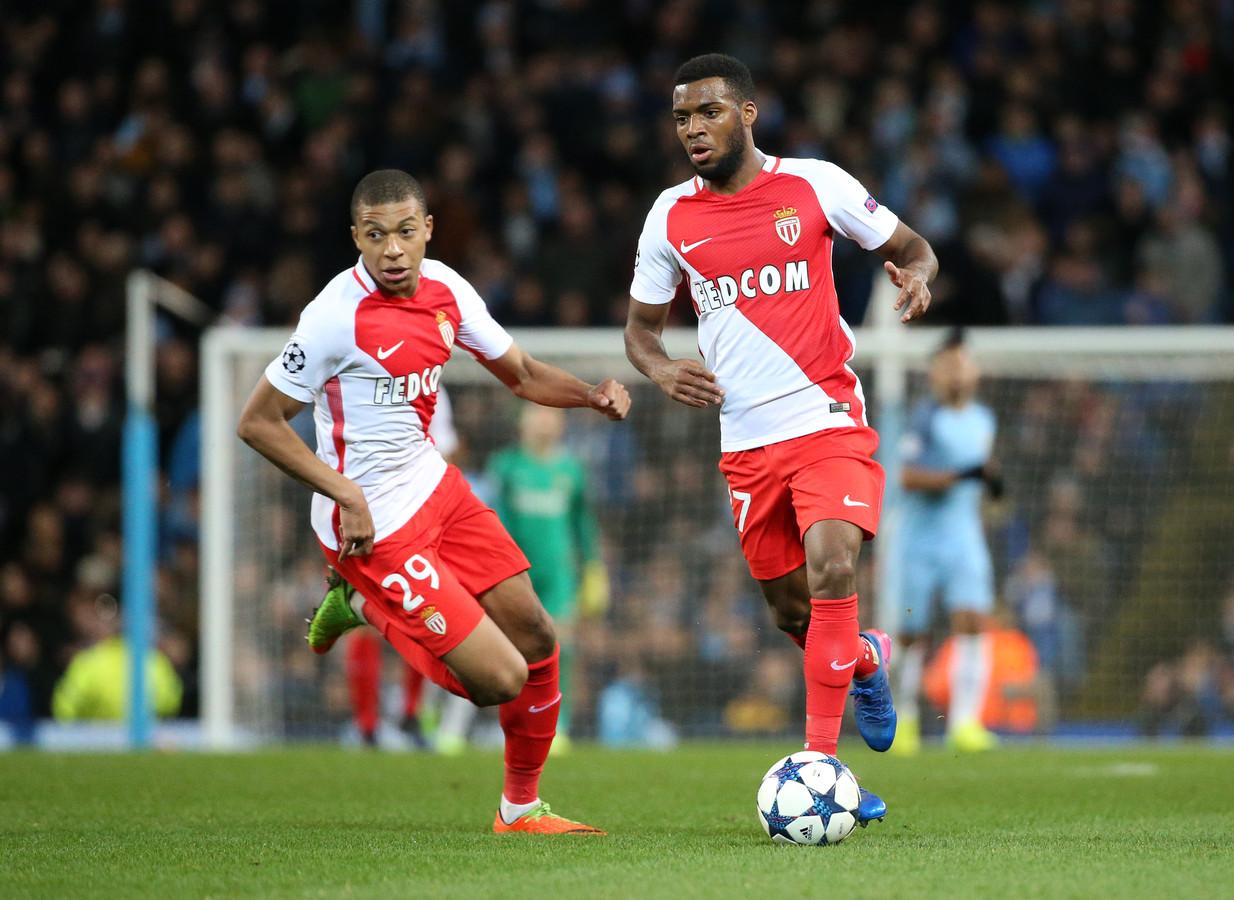 Kylian Mbappé en Thomas Lemar in actie tegen Manchester City.