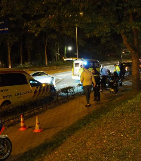 Twee scooters botsen op elkaar in Amersfoort