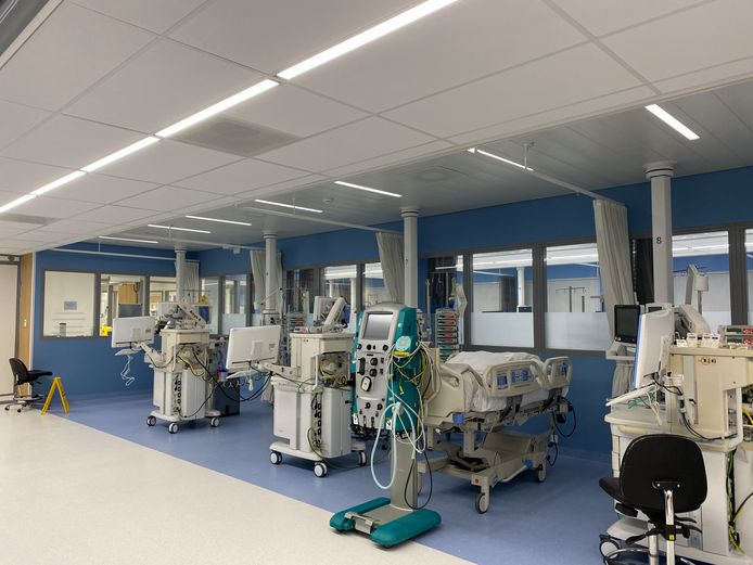 De intensieve care in Ziekenhuis Gelderse Vallei in Ede is uitgebreid vanwege de coronacrisis.