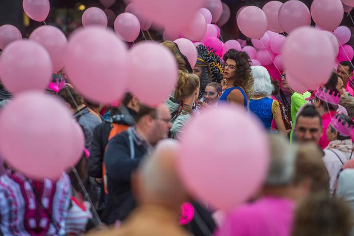 Ns Haalt Alles Uit De Kast Op Roze Maandag Tilburg Eo