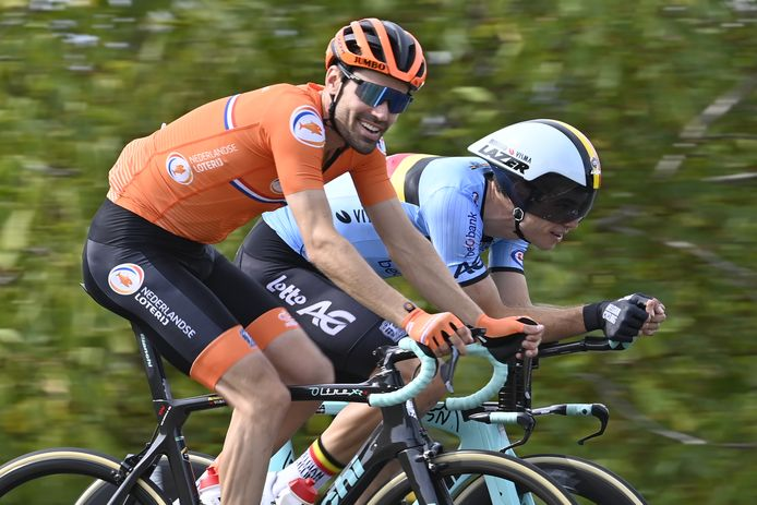 Tom Dumoulin traint in Imola met Jumbo-ploeggenoot én Belgisch concurrent Wout van Aert.
